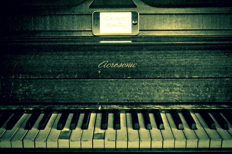 old piano and iphone