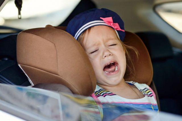 girl-crying-in-the-car