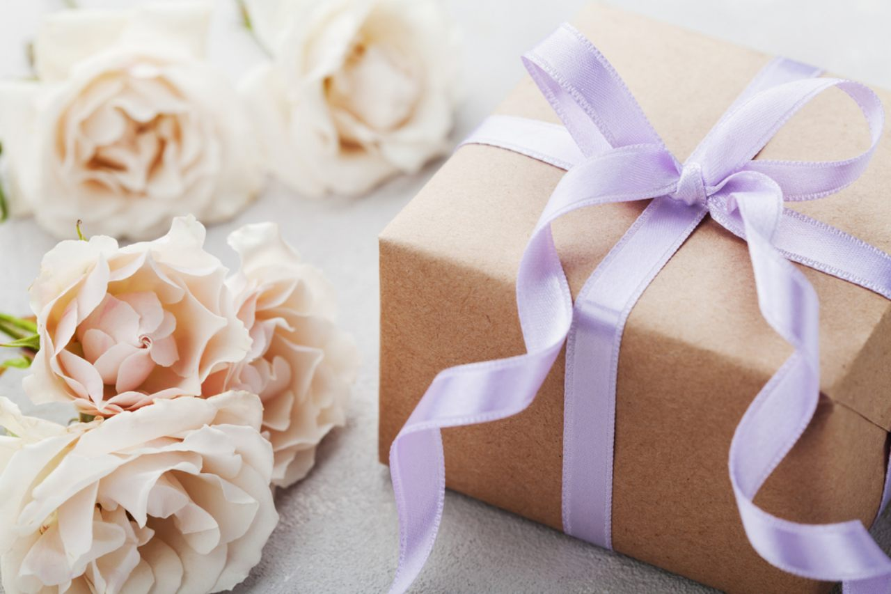 Wedding Gift For A Couple: Beautiful Wedding Gift Ideas For A Special Couple